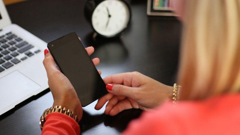 Invertir en bolsa desde el teléfono móvil