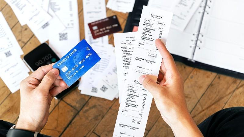 Tarjetas revolving y microcréditos