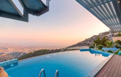 ¿Cuál es la mejor manera de calentar el agua de las piscinas?
