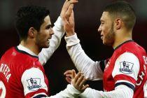 Arteta y Chamberlain celebran la victoria del equipo (Foto Europapress)