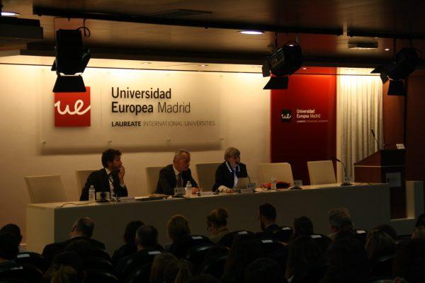 Mesa redonda sobre terrorismo y política criminal/foto realizada por Daniel Rodríguez