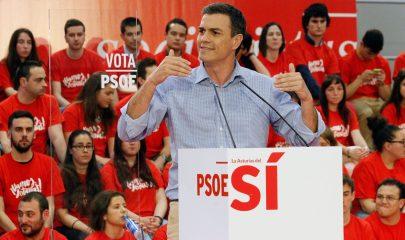 Pedro Sánchez en un mitin en Gijón