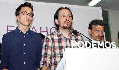 Pablo Iglesias, flanqueado por Íñigo Errejón y José Manuel López