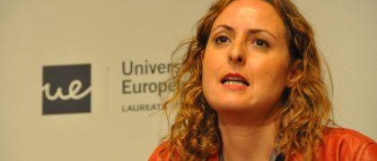 La representante del PSOE, Carlota Merchán, durante el debate universitario en la UEM
