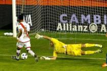 EFE. Momento del primer gol de Lass