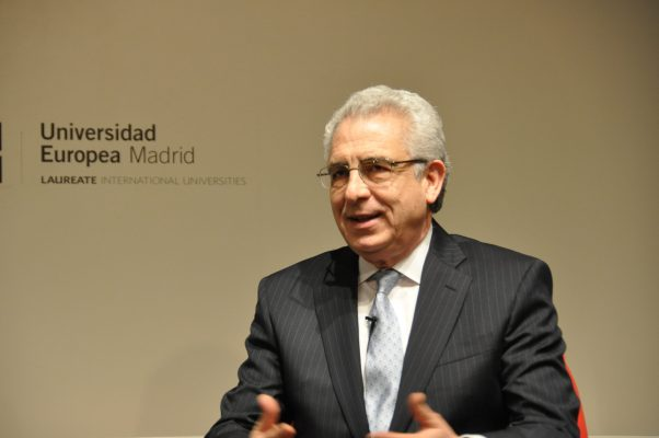 Ernesto Zedillo, es actualmente consejero presidencial de Laureate International Universities y 74º