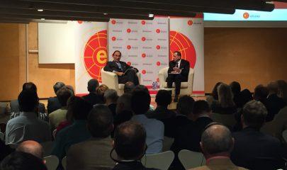 David Petraeus y Emilio Lamo en el evento organizado por el Real Instituto Elcano.
