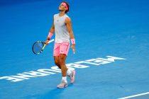 El tenista español Rafa Nadal ante el croata Marin Cilic durante el partido que enfrentó a ambos en los cuartos de final del Abierto de Australia que se celebra en Melbourne (Australia) hoy, 23 de enero de 2018. EFE/ Narendra Shrestha
