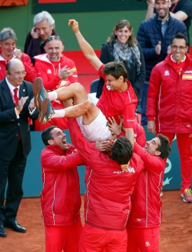 David Ferrer, festejando al finalizar el último partido de la eliminatoria España-Alemania de cuartos de final de la Copa Davis