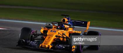 ABU DHABI, UNITED ARAB EMIRATES - NOVEMBER 25: Fernando Alonso of Spain driving the (14) McLaren F1 Team MCL33 Renault on track during the Abu Dhabi Formula One Grand Prix at Yas Marina Circuit on November 25, 2018 in Abu Dhabi, United Arab Emirates. (Photo by Lars Baron/Getty Images)