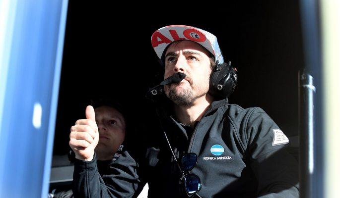 AME2713. DAYTONA BEACH (ESTADOS UNIDOS), 24/01/2019.- El piloto español Fernando Alonso del equipo Wayne Taylor Racing reacciona este jueves ante el buen tiempo logrado por su equipo en la sesión de clasificaciones para la competencia de prototipos Rolex 24 Horas, en la ciudad de Daytona Beach, Florida (EE.UU.). EFE/Gerardo Mora