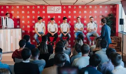 Jugadores del Real Madrid presentes durante la Rueda de Prensa 5 Estrellas. / Fuente: Mahou.