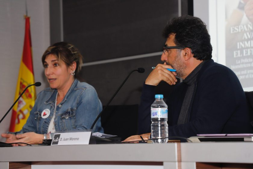 """Lula Gómez redactora de """"Por Causa"""" y Juan Luis Moreno, profesor de la Universidad Europea de Madrid"""