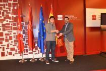 Joaquín Reixa recibiendo el premio