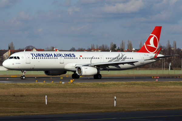 Turkish Airlines Airbus A321-200 (Sharklets)
