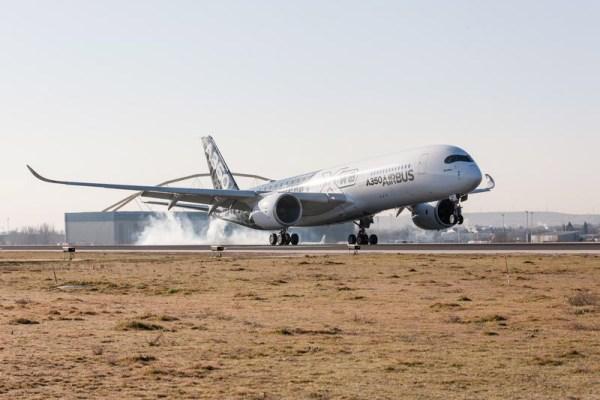 Airbus A350 XWB at Madrid-Barajas Airport (© Airbus)