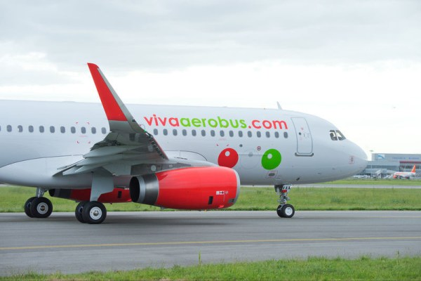 VivaAerobus Airbus A320-200 with Sharklets (© P.Pigeyre/Airbus)