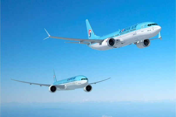 Boeing 737 MAX and 777-300ER in the livery of Korean Air (© Boeing)