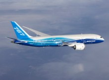 Boeing 787-8 in flight (© Boeing)