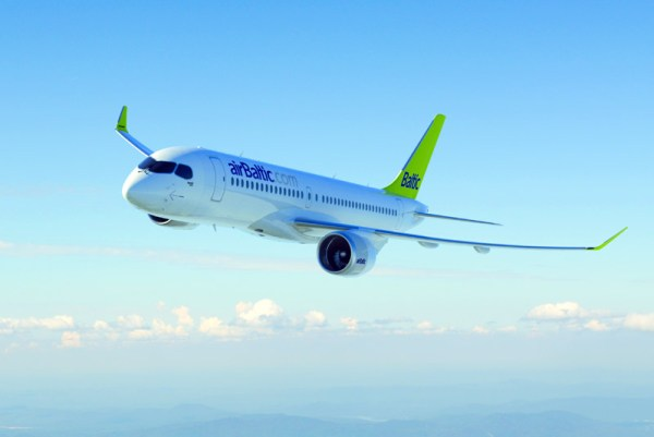 CS300 in den Farben der Air Baltic (© Bombardier)