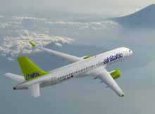 Bombardier CS300 in den Farben der Air Baltic (© Bombardier)