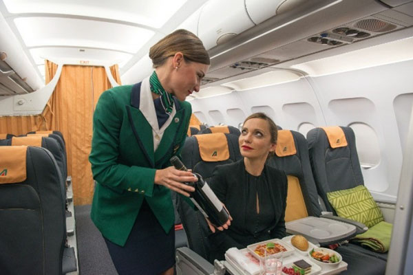 Business Class in der Europa-Flotte (© Alitalia)