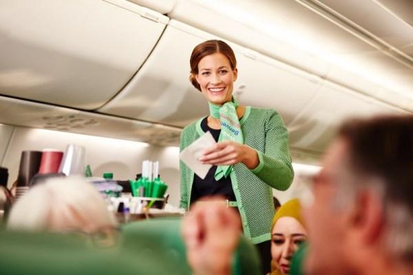 Flugbegleiterin bei Transavia (© Transavia)