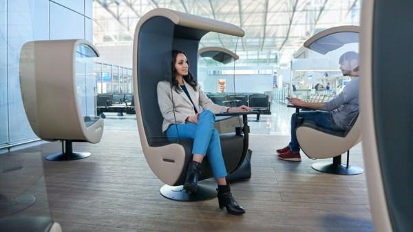 Silent Chairs im Flughafen Frankfurt (© Fraport)