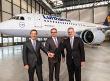 Übergabe des ersten A320neo an Lufthansa (© Airbus)
