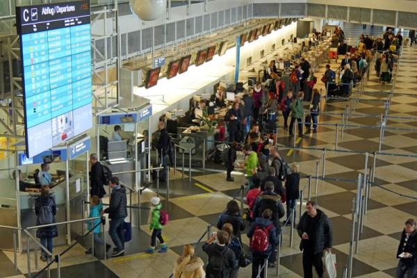 Check-In am Flughafen München (© MUC, W. Hennies)