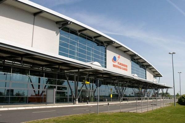 Terminal Flughafen Rostock-Laage (CC BY-SA 3.0 M. Sümnick)