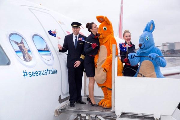 Der A320 D-ABNM bewirbt Reisen nach Australien (© Air Berlin)