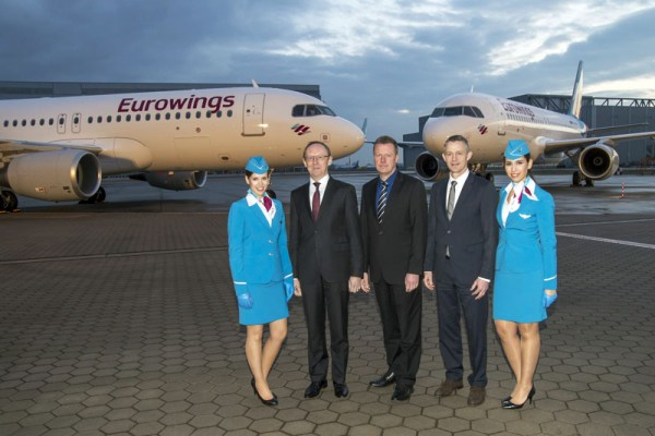 A320 Doppelauslieferung, Karl Ulrich Garnadt (Executive Board Member Eurowings and Aviation Services), Klaus Röwe (Airbus Programmleiter A320 Familie), Michael Knitter (Geschäftsführer Eurowings)