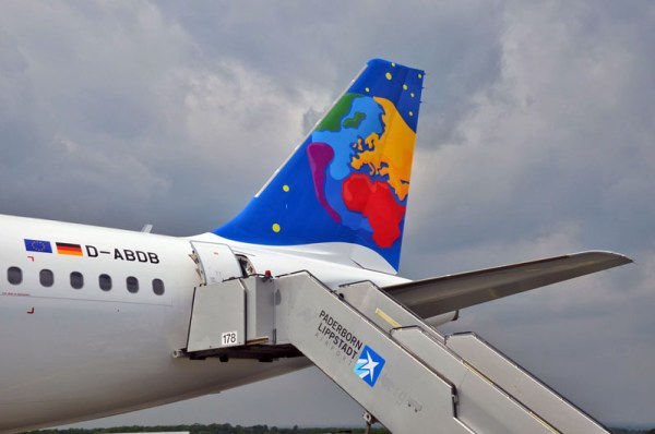Leitwerk eines A320 der Small Planet Airlines (© PAD Airport)