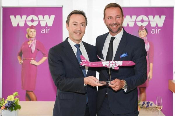 Fabrice Brégier, Airbus President and Chief Executive Officer (links), Skúli Mogensen, Gründer und CEO von WOW air (rechts) © Airbus