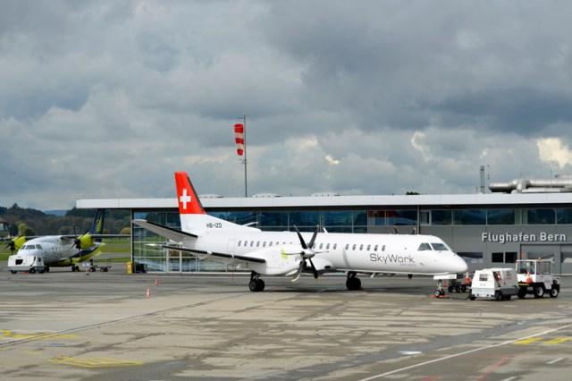 Saab 2000 der SkyWork am Heimatflughafen Bern-Belp (© Skywork)