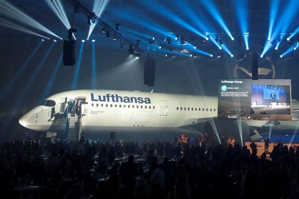 Taufe des ersten A350 der Lufthansa auf den Namen Nürnberg (© FMG)