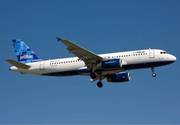 JetBlue Airbus A320 (© GFDL 1.2 O. Simon)