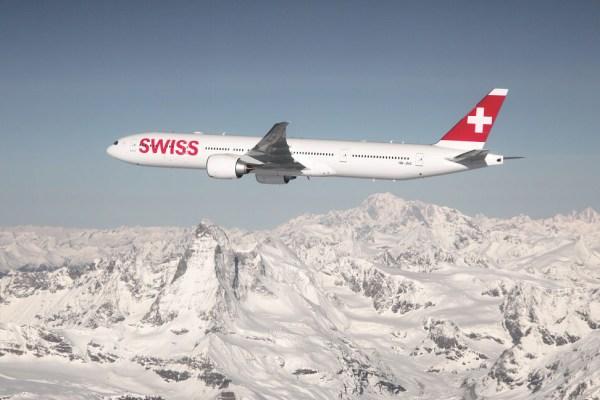 Boeing 777-300ER in den Farben der Swiss (© LH)