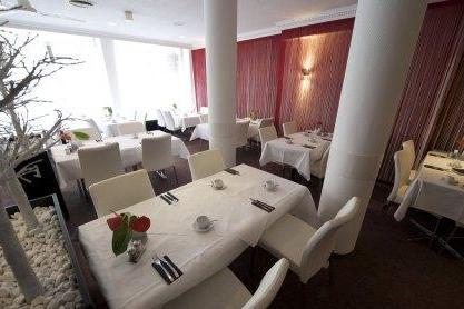 DUE01-restaurant2