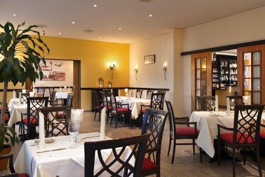 A HEN21-restaurant1-high res 1