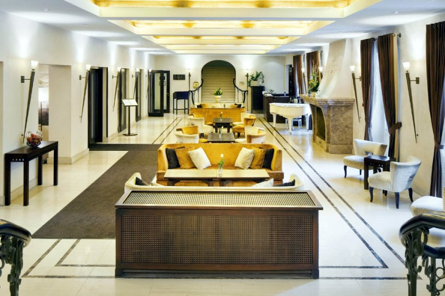 Mamaison-Hotel-Le-Regina-Warsaw_Lobby_1360x680