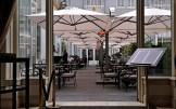 grote_parasols_heaters_steinberger_hotel_terras-2yhk287swmkure0mb996v4