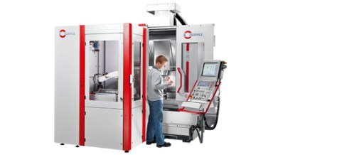 RS 05 robot system adapted to a C 20 U 5-axis machining centre; the automation solution on 2 m2 is predestined for medical engineering and precision engineering.