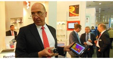 Dr.-Ing. Ulrich Kienitz, Optris General Manager, demonstrating the company's new infrared camera during Hannover Messe.