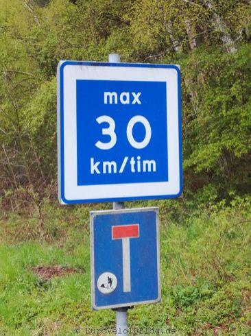 In Schweden darf man nur 30km pro Tim fahren. Wir halten uns nicht immer dran
