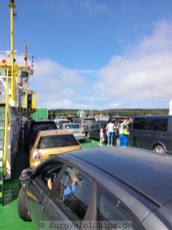 Fähre Klaipeda zur Kurischen Nehrung: allein zwischen vielen Autos
