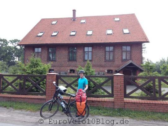 Diese Dorfunterkunft hatte ein 8,1 Sterne-Rating bei Booking (vor unserer Ankunft)