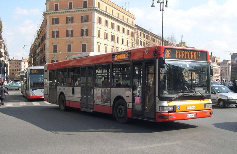 Autobuses en Roma