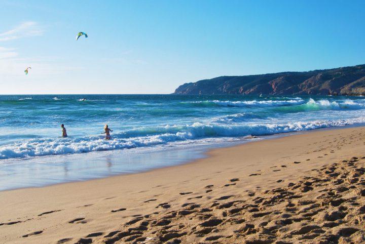 Kitesurfing in Guincho Praia Grande